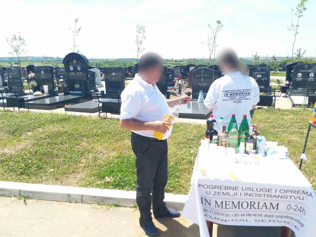 Posluženje na groblju